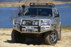 Bullbar ARB Deluxe pentru Toyota Hilux 2005-2011