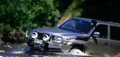 Bullbar Arb Deluxe pentru Toyota Hilux (2002-2005) (cu overfendere)
